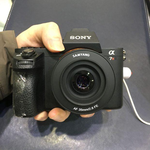 Samyang-AF-35mm-f2.8-FE-autofocus-full-frame-mirrorless-lens3-620x620